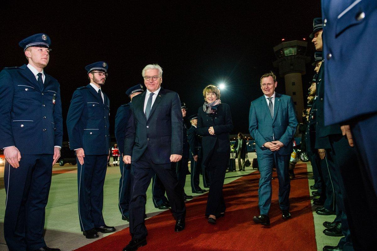 Ankunft des Bundespräsidenten Frank-Walter Steinmeier auf dem Flughafen in Erfurt
