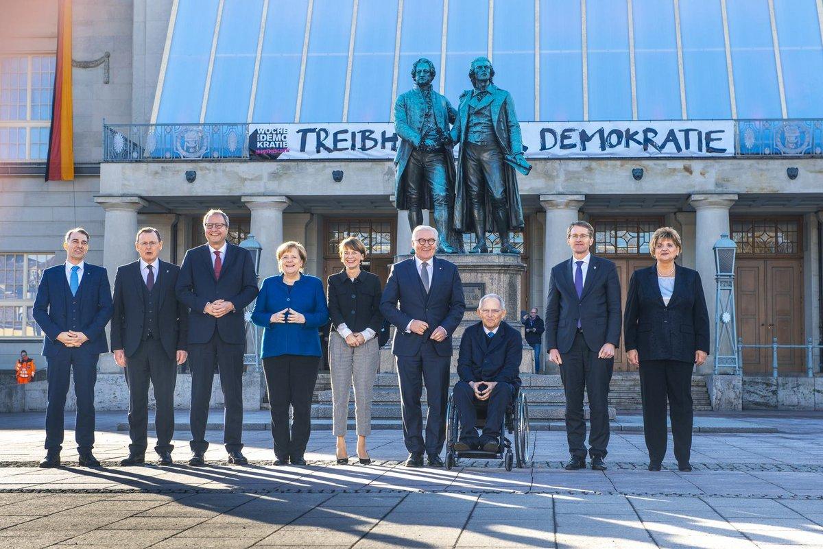 Gruppenbild anlässlich des 100. Jahrestag der Weimarer Verfassung in Weimar am 06.02.2019