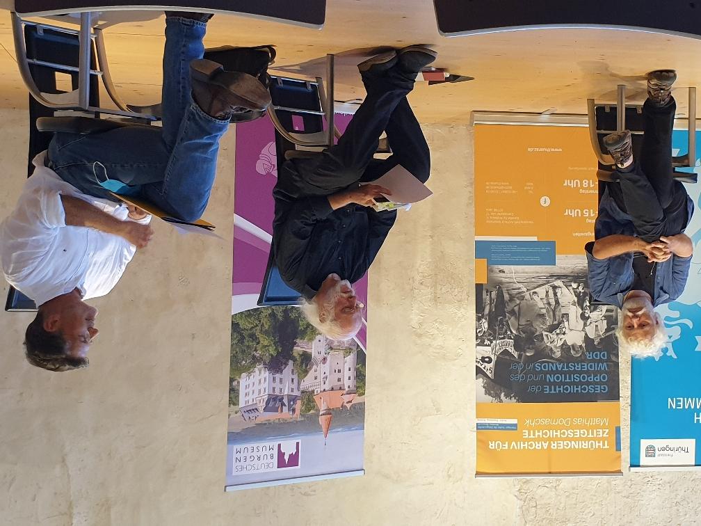 Gespräch auf Podium, Pressekonferenz am 14.09.2020 auf der Veste Heldburg